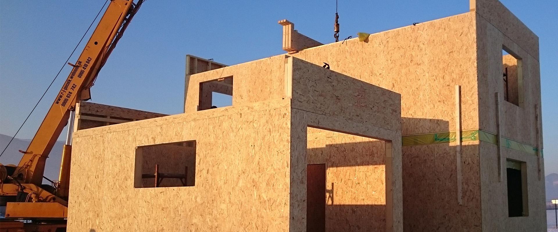 Vyrábame a montujeme domy aj do štádia hrubej stavby alebo holodomu
